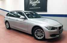 BMW-318-d-Touring-Navy